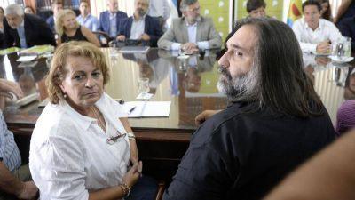 Tras los palos de Mauricio Macri y María Eugenia Vidal, los gremios de los maestros definen si van al paro