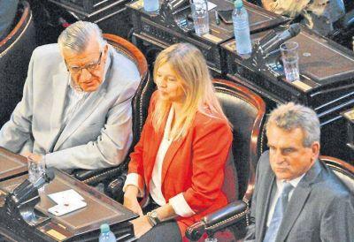 La oposición pide que Arribas vaya a rendir cuentas en el Congreso