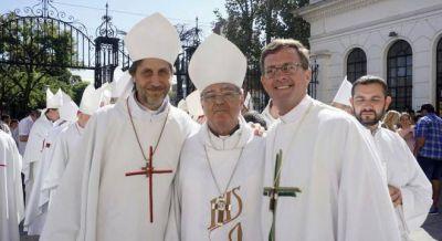 El Papa nombra obispos villeros y acentúa el cerco a Macri