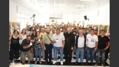 Camioneros afianza vínculo con el Papa en su cruzada contra el Gobierno