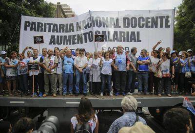 Polémica por la adhesión a la primera jornada del paro nacional docente