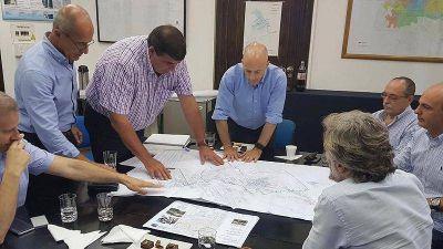 Ducoté encabezó una nueva reunión de trabajo para la llegada de AySA a Pilar