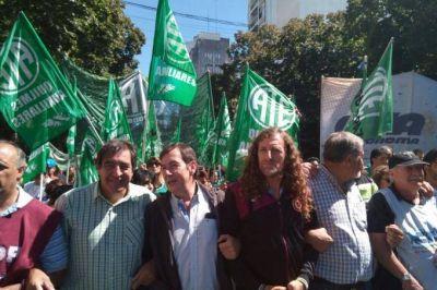 """En la marcha frente a Gobernación, estatales pidieron apertura """"urgente"""" de paritaria"""