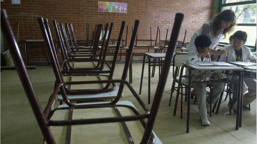 En la previa al encuentro con docentes, Vidal paga el plus por presentismo