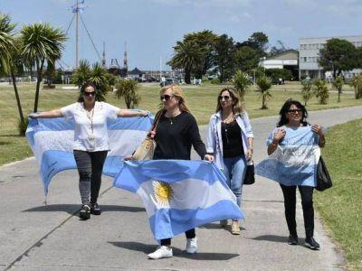 """Gastronómicos reconocerán a esposas y madres de tripulantes del ARA """"San Juan"""""""