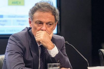 Industriales textiles le respondieron al ministro Cabrera y ensancharon la grieta con el gobierno