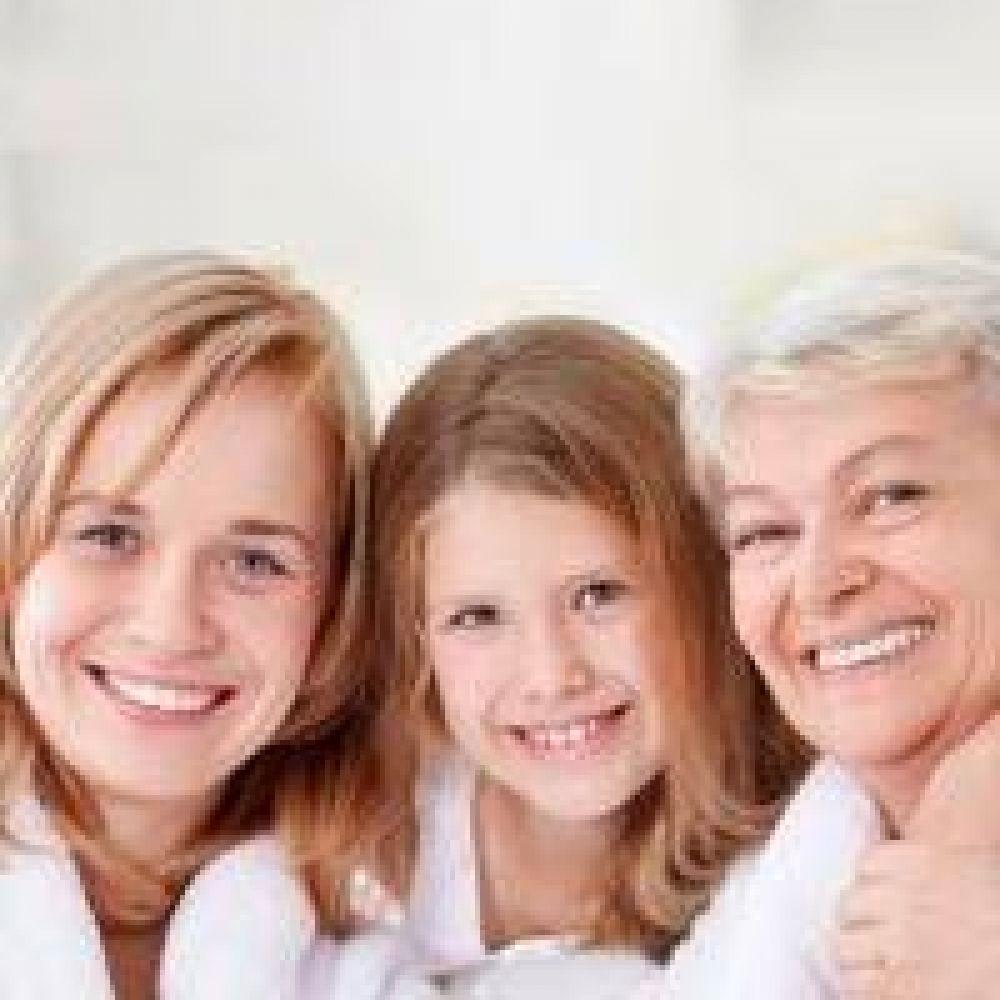 La Iglesia reconoce el indispensable aporte de la mujer en Sociedad