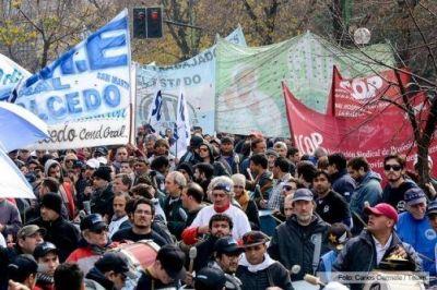 Salarios: Médicos proponen acciones con docentes, judiciales y estatales para reclamarle a Vidal