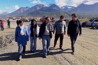 Ushuaia: Legisladores visitaron obras de la DPOSS junto a Guillermo Worman