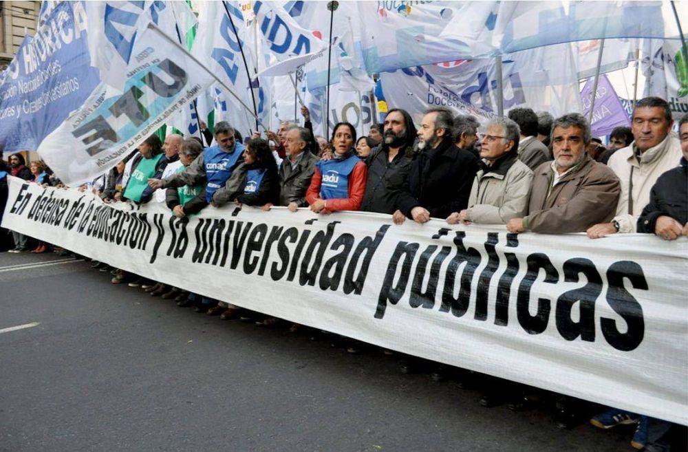 La UTE-Ctera marcha por el cierre del Plan Fines