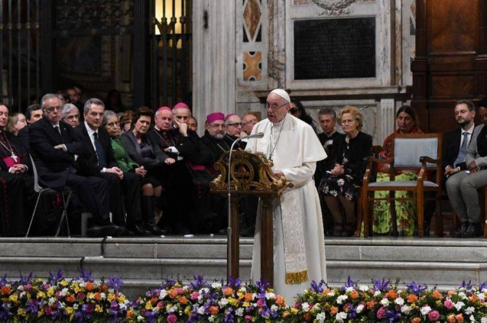 """El Papa a la Comunidad San Egidio: """"Continúen con audacia en su camino"""""""