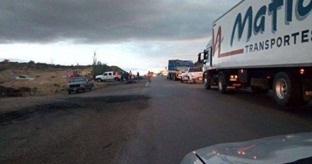 Bloquean rutas en el Sur por falta de pago de la constructora CPC