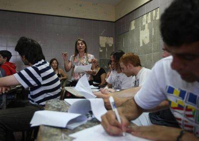 Redefinen la oferta de educación secundaria para adultos bonaerenses