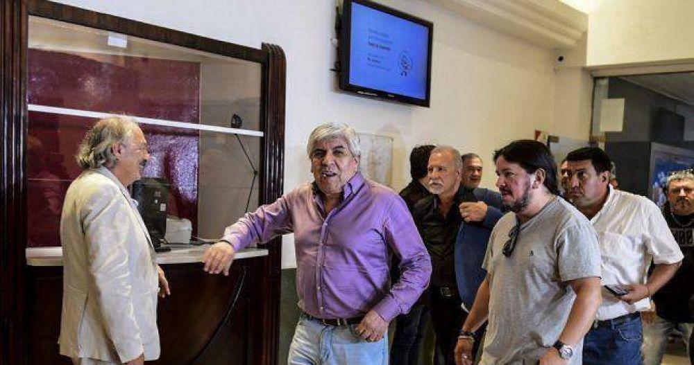 """Moyano desafiante: """"Los trabajadores no quieren ser cómplices de una CGT entreguista"""""""