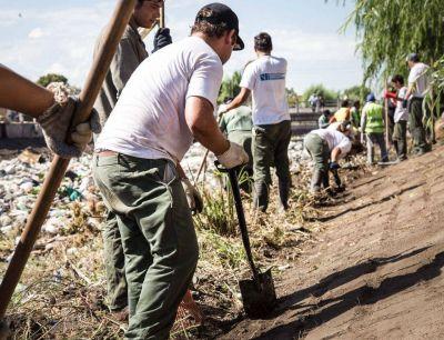 Tres cooperativas se suman a la limpieza de los arroyos