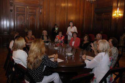 ACIERA distinguió a mujeres solidarias en la legislatura porteña