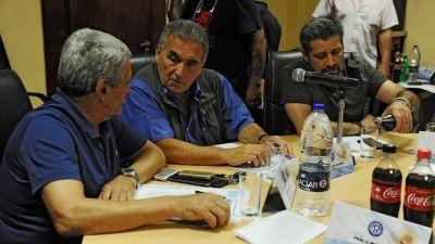 El Gobierno respalda la reorganización de la CGT sin Hugo y Pablo Moyano