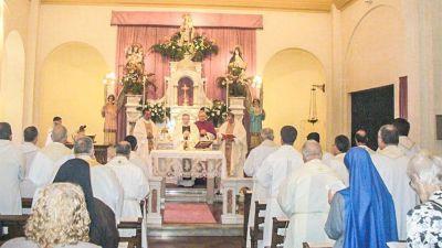 """Le cargan a la Iglesia la """"cruz"""" de los políticos"""