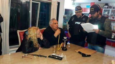 """Confirman el procesamiento del """"Pata"""" Medina y le dan domiciliaria a su mujer"""