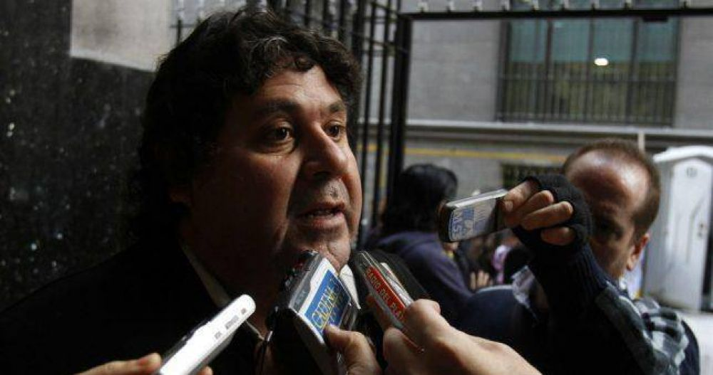 """Para Segovia, hay """"persecución política"""" detrás del fallo que le quitó la personería a los Metrodelegados"""