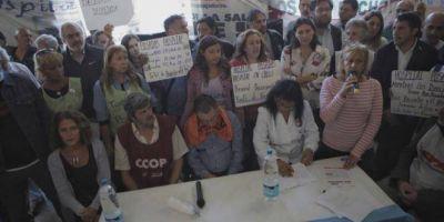 """Trabajadores del Posadas denuncian que el gobierno """"quiere privatizar"""" el hospital"""