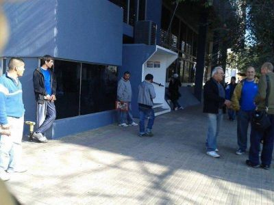 """Control Urbano: Un delegado gremial acusó de """"carnero"""" a un trabajador y terminó golpeado"""