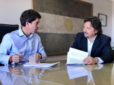 Sáenz firmó convenios con Nación para obras hídricas en la ciudad
