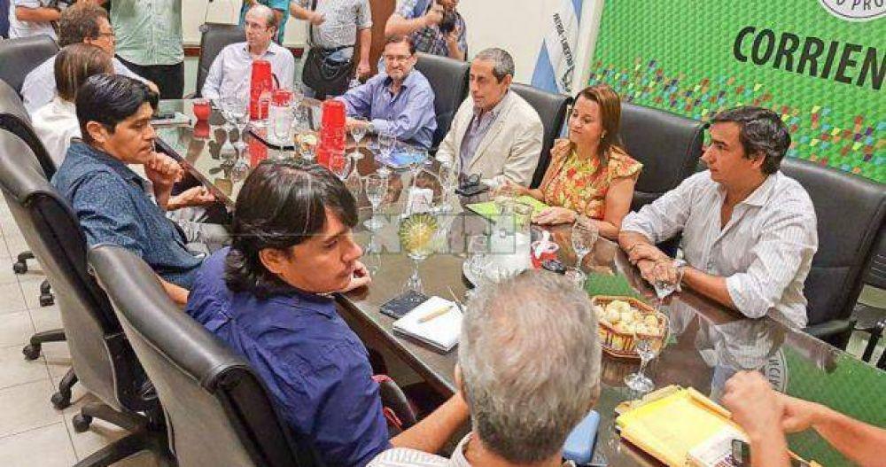 Estatales y docentes correntinos acordaron 20% en tres tramos