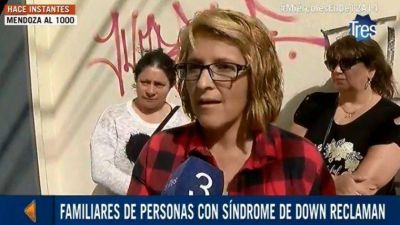 Desesperado reclamo: obras sociales dejaron sin cobertura a sus hijos con discapacidad