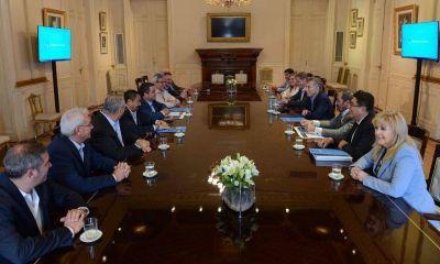 La CGTriaca, de foto en foto: del viaje por Europa con el ministro a Casa Rosada