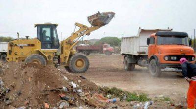 Intenso trabajo para erradicar basurales en el barrio El Vinalar