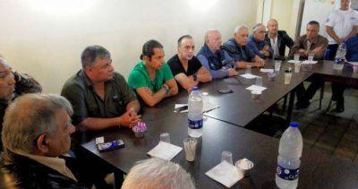 Más de 50 gremios abandonaron a Ayala y buscan relanzar las 62 Organizaciones