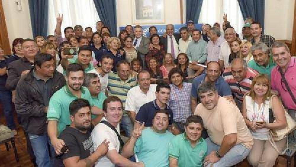 Estatales tucumanos acordaron 17% y una suma no remunerativa