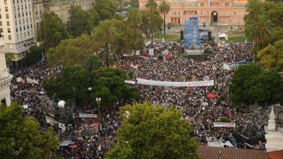 Sin acto oficial, la agenda del 24 de marzo se dispersa en múltiples homenajes