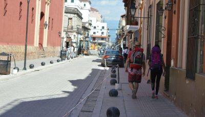 Desde anoche hay desvíos en el tránsito por obras en las calles Deán Funes y Córdoba, en la intersección con Caseros