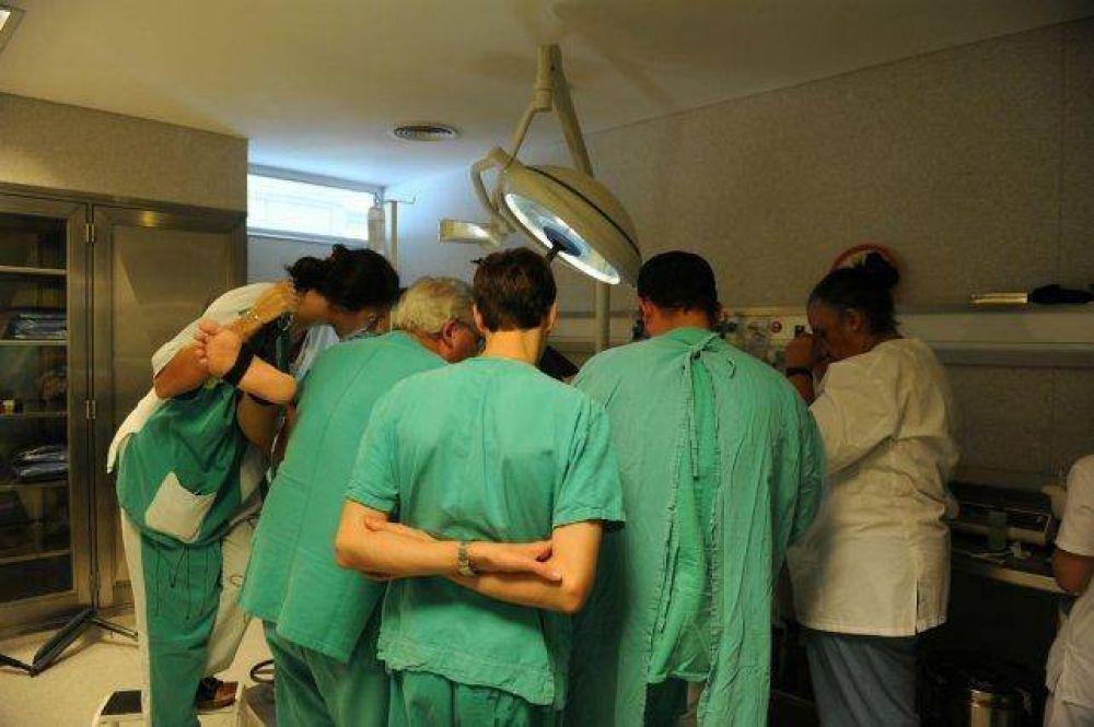 Médicos en pie de guerra por la prohibición del cobro de plus