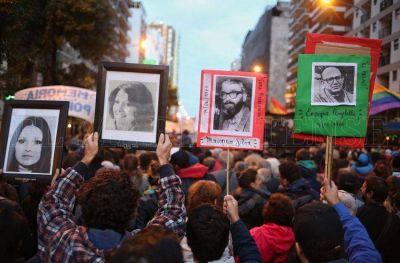 Una multitud marchó por el aniversario del Golpe de Estado