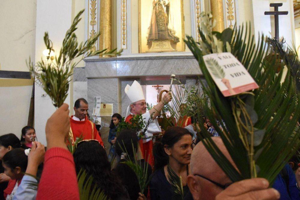 """En Domingo de Ramos, Stanovnik alentó a """"cuidar la vida desde la concepción"""""""
