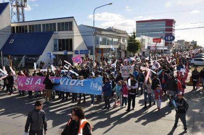 TIERRA DEL FUEGO: Legalización del aborto: Marchas a favor y en contra