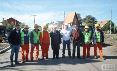 Inauguraron obras de pavimento en Parque Camet y anunciaron la construcción de una bicisenda
