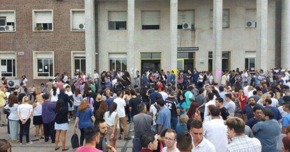 Temor por 130 nuevos despidos en el Hospital Posadas