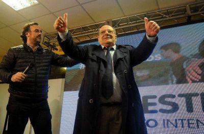 """Vuelve Macri, el céntrico """"camping municipal"""" y otra comedia de enredos"""