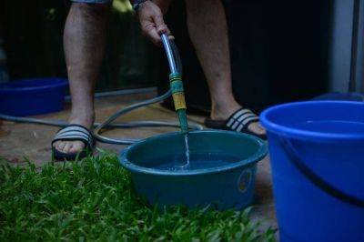 Ya llegan las boletas con las nuevas tarifas del agua, pero todavía con subas parciales