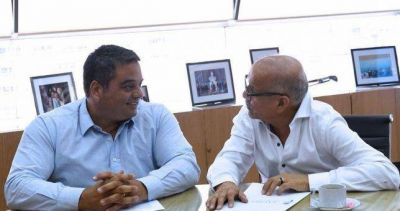 Frutos ratificó su salida del moyanismo y firmó paritarias del 15%