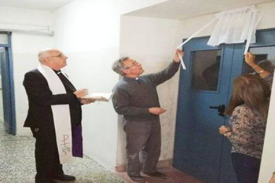 "Mons. Olivera bendijo la Sala de Comunicación Audiovisual ""Mons. Laguna"""