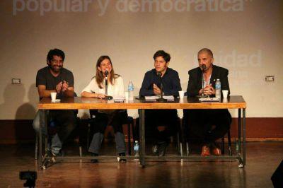 Kicillof y Raverta compartieron una charla en la Universidad