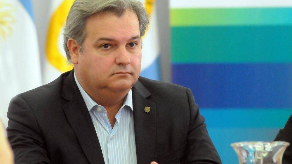 Santa Fe: Gobierno descontará los paros, no mejorará la oferta y pagará por decreto