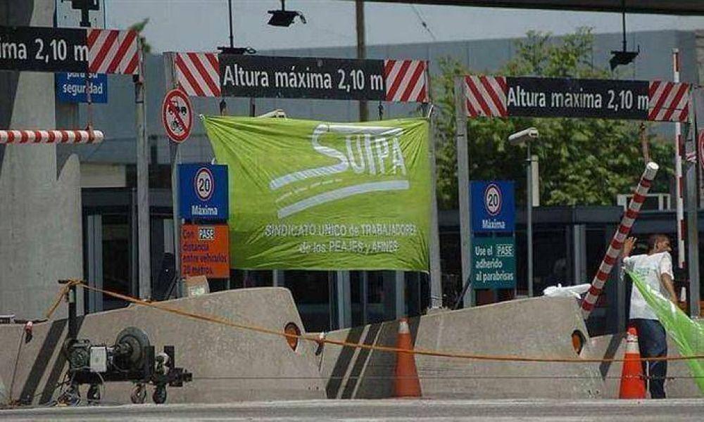Levantan barreras de peajes en protesta por medidas de Vialidad