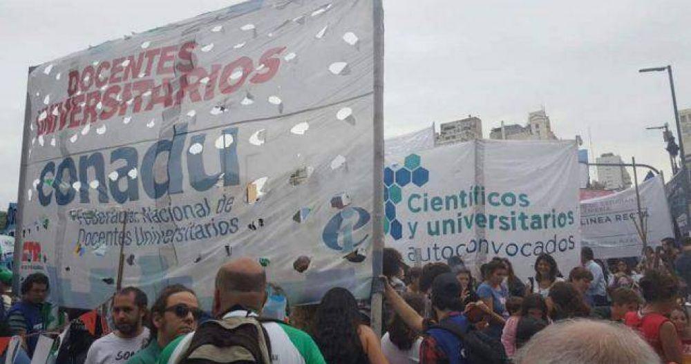 Docentes Universitarios ratificaron el paro de 48 horas por un incremento salarial del 25%