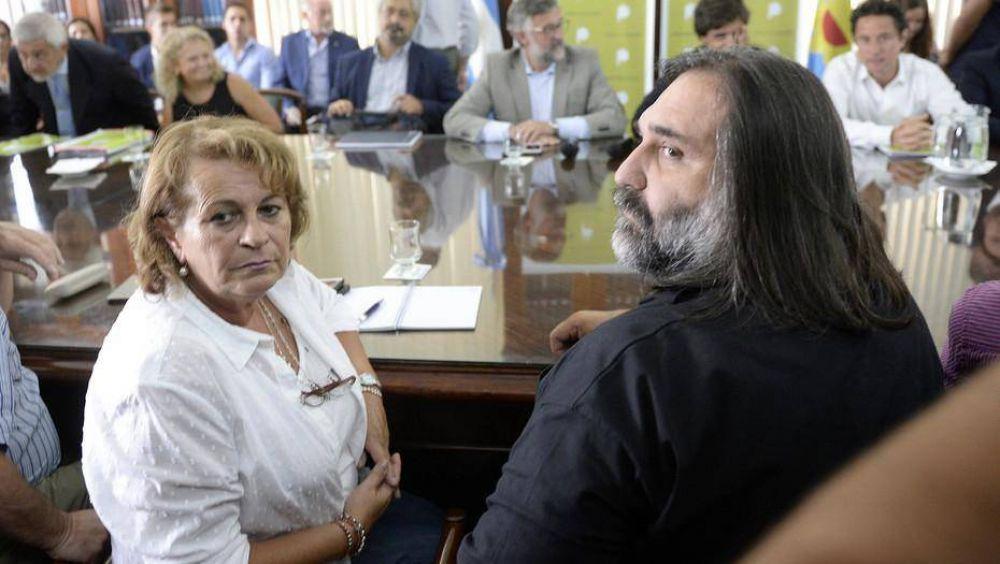 María Eugenia Vidal intenta aislar a maestros y CTA y arregla con otros gremios